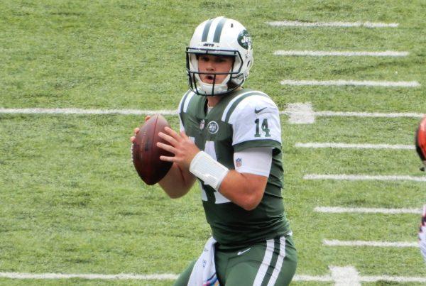 New York Jets Quarterback Sam Darnold. Photo Credit: slgckgc | Under Creative Commons License